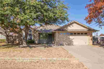 4025 Country Meadows Circle Granbury, THIS ONE WONT LAST