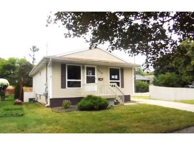2 Bed 2 Bath Foreclosure Property in Lansing, MI 48910 - W Barnes Ave