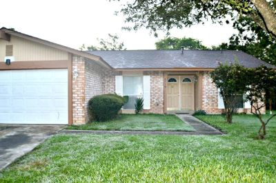8710 Tamarisk St - Home For Rent 3/2/2 in San Antonio, TX 78240