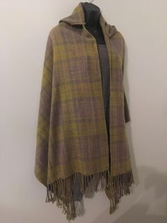 REALLY CUTE HOODED CAPE ! It s an olive green and grey plaid ... see pics of back ! So cute with leggings and boots.its a one size fits all