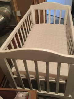 Rocking Cradle with mattress - new condition