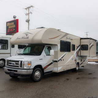2017 Thor Motor Coach Four Winds 26B Camper