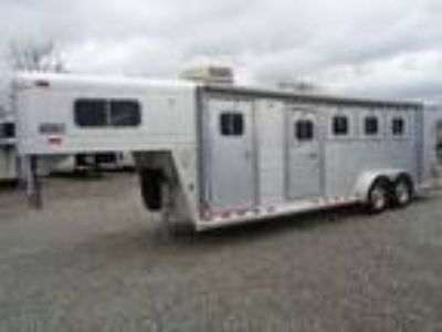 1999 4 Star 8.5 LQ with On-Board Generator & Side Tack