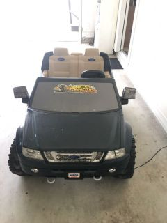 Power Wheels Ford F-150 Monster Traction