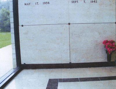 MAUSOLEUM CRYPT @ YOAKUM RESTLAND MEMORIAL PARK ONLY $3100