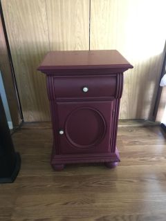 Nice solid wood heavy vintage side end table