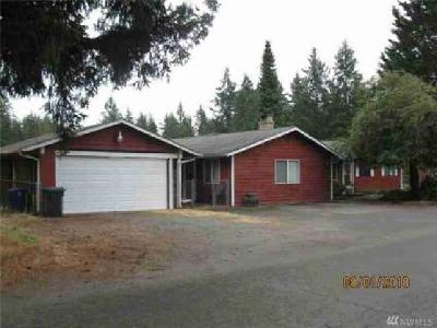 1206 N 8th Shelton Three BR, Nice area of homes off of