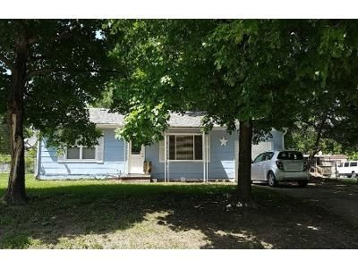 2 Bed Preforeclosure Property in Adrian, MO 64720 - E 8th St