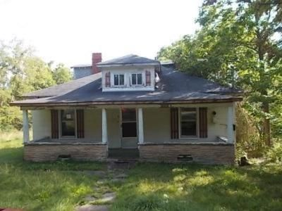 5 Bed 2 Bath Foreclosure Property in Beckley, WV 25801 - Temple St