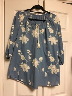 Super cute 3/4 length top . Was purchased at Cracker Barrel.