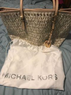 Ladies purse ( Michael lots)
