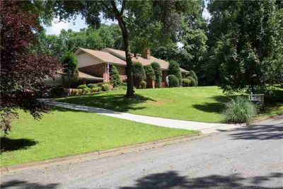501 Berkshire Drive STATESVILLE Four BR, TIRED of COOKIE CUTTER