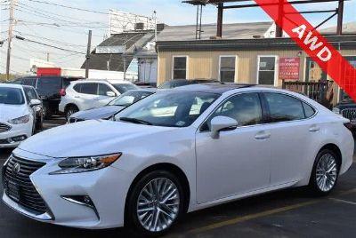 2016 Lexus ES Es (Eminent White Pearl)
