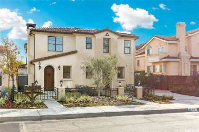 216 3rd Ave A & B Arcadia Five BR, Enjoy Luxury living and
