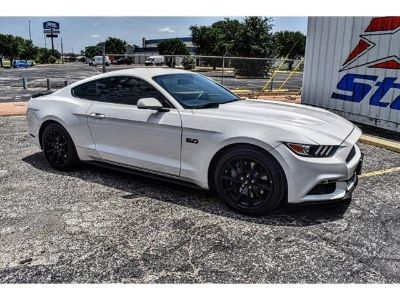 2017 Ford Mustang (white)
