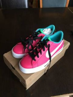 New Women's Nike Sweet Classic Leather -Pink -Size 6.5