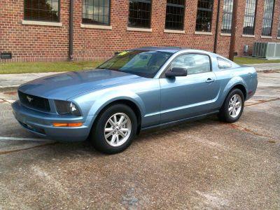 2006 Ford Mustang V6 Standard (BLU)