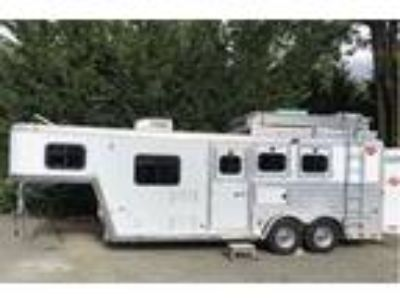 2001 Miscellaneous Hart 3 Horse A3HDSG 3 Horse Trailer W/ LQ With Liv
