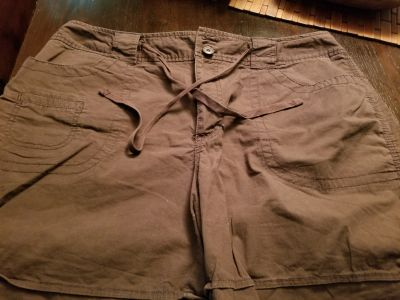 St John's Bay Brown shorts, sz 16W