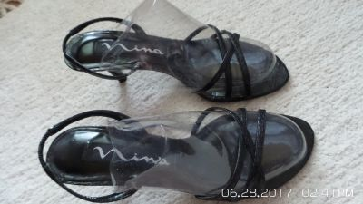 VERY NICE BLACK LEATHER SUMMER SANDALS 5-1/2 M BY NINA