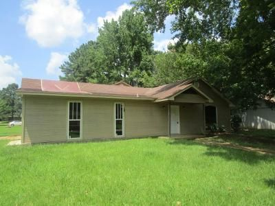 5 Bed 3 Bath Foreclosure Property in Jackson, MS 39212 - Redwood Cir