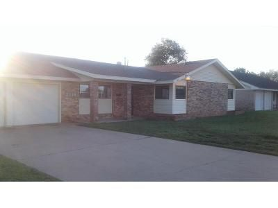 3 Bed 2 Bath Foreclosure Property in Odessa, TX 79761 - Bonham Ave