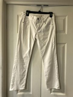 American Eagle White Jeans - size 6