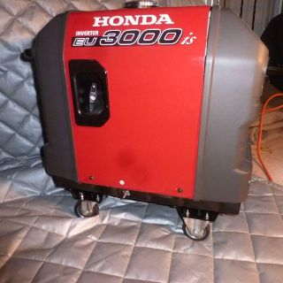 $695, NEW Honda EU 3000 with free hi quality wheel kit