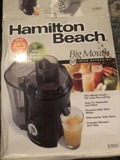 NEW IN BOX HAMILTON BEACH BIG MOUTH JUICE EXTRACTOR 67601