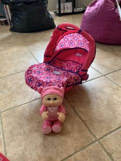 Great condition graco baby carrier with cabbage patch