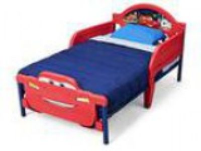 Delta Children D-Footboard Toddler Bed DisneyPixar Cars