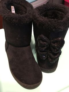 Size 3 black boot - like new