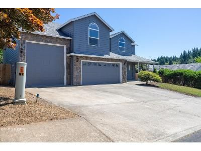 4 Bed 2.5 Bath Foreclosure Property in Sandy, OR 97055 - Bluff Rd