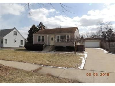 2 Bed 1 Bath Foreclosure Property in Melrose Park, IL 60164 - W Dr