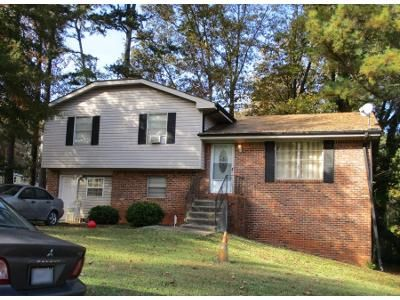 3 Bed 1.5 Bath Preforeclosure Property in Stone Mountain, GA 30083 - Rustic Wood Dr