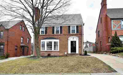 2551 Saybrook Rd University Heights, Beautiful and charming
