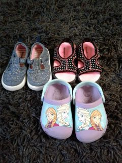 Used size 4/5 toddler shoes