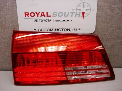 Purchase Toyota Sienna 04-05 LT Rear Lift Gate Tail Light Lamp Genuine OEM OE motorcycle in Bloomington, Indiana, US, for US $96.00