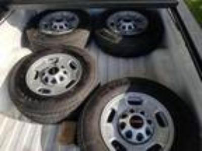 Gmc 2500 factory rims and tires