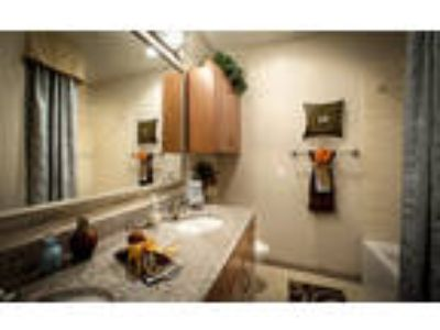 San Cierra Apartments - 2 Bdm/Two BA/2 Gar/1st Flr