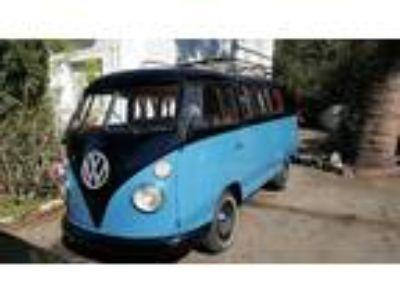 1963 Volkswagen Bus Vanagon Camper Retro
