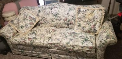 Sealy sofa and love seat floral there is a scuff on top but rest os in good shape Arms of couch are not as puffy as normal