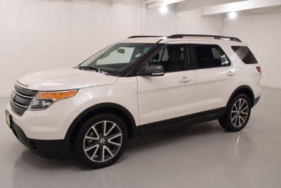 2015 Ford Explorer XLT (White Platinum Metallic Tri-Coat)