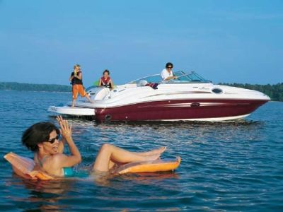 Best Boat Rental Services in Sacramento - Carefreeboats