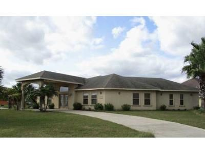 3 Bed 2.5 Bath Foreclosure Property in Port Isabel, TX 78578 - Bethpage Dr