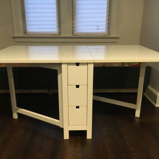 Table with 2 Leaf style sides