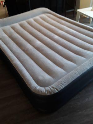 Queen size air matress