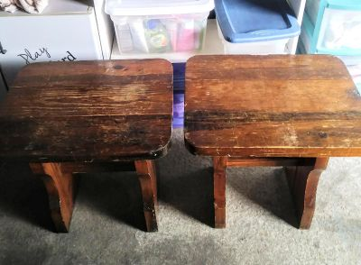 2 NICE STURDY HEAVY REAL WOOD ANTIQUE SIDE/END TABLES