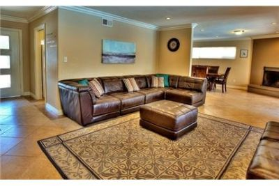 Spacious 3Bd/2. 5Ba home in Anaheim available to rent