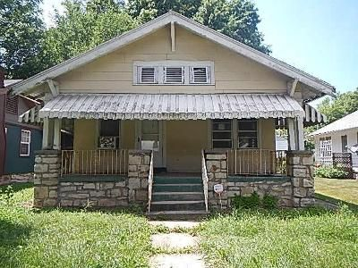 2 Bed 1 Bath Foreclosure Property in Kansas City, MO 64132 - S Benton Ave